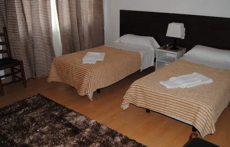 Adia Cunit Playa - Room - 2