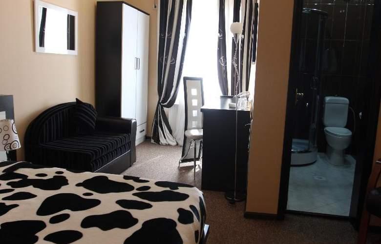 Diplomat Hotel - Room - 22