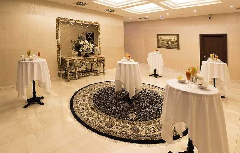 Ramada Hotel & Suites Atakoy - Conference - 21