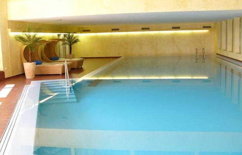 Quadratscha Swiss Quality Hotel - Pool - 9