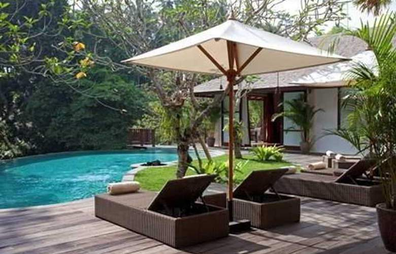 Villa Iskandar - Pool - 19