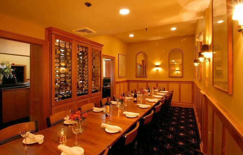 Best Western Windjammer Inn & Conference Center - Restaurant - 38