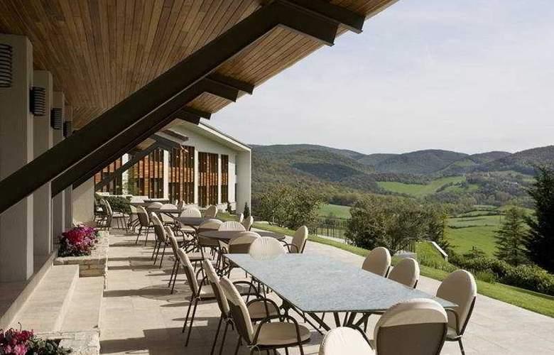 El Mirador de Ulzama Hotel & Spa - Terrace - 10