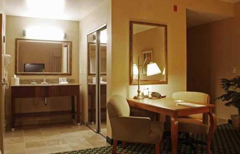 Hampton Inn & Suites Windsor - Sonoma Wine Country - Hotel - 4