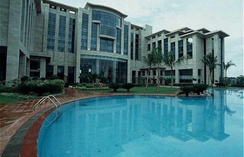 Hyatt Regency Kolkata - Pool - 6