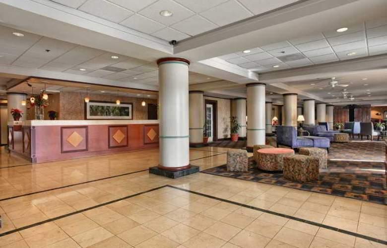 Comfort Inn Maingate - General - 4