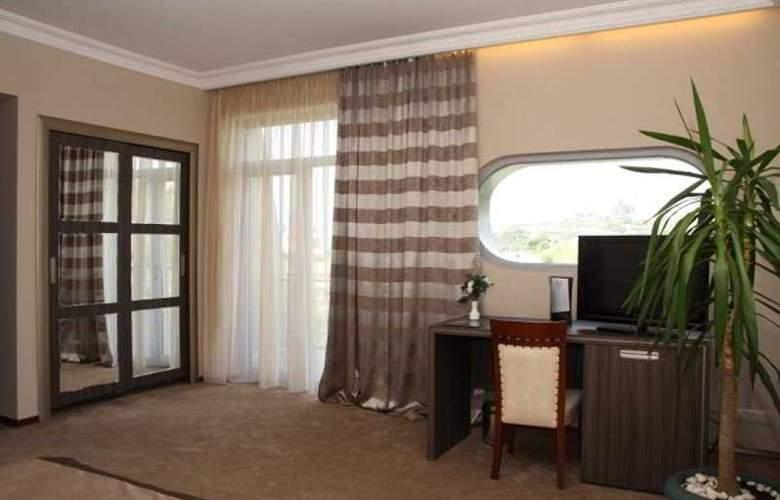 Cruise - Room - 13