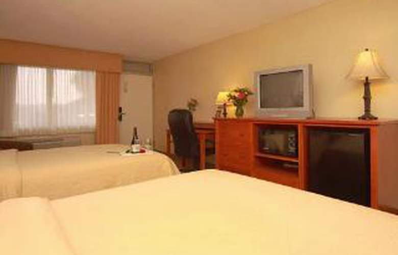 Quality Inn - Room - 4