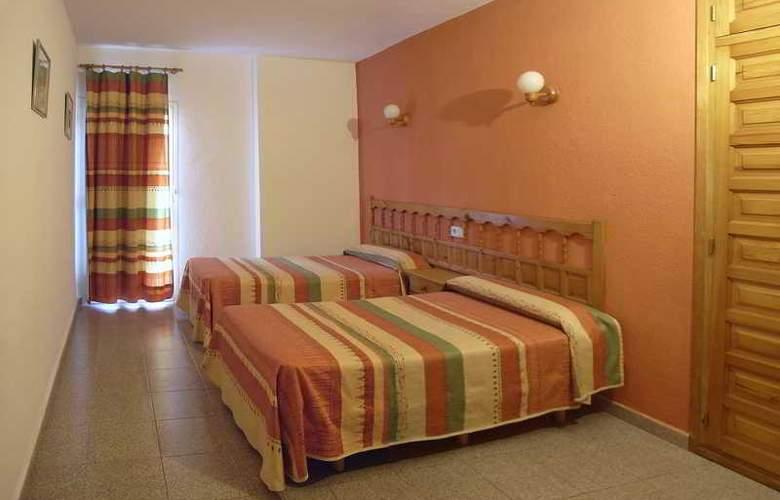 Marian - Room - 5
