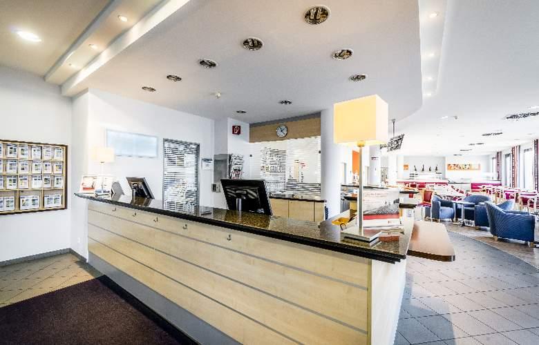 Holiday Inn Express München-Messe - General - 1
