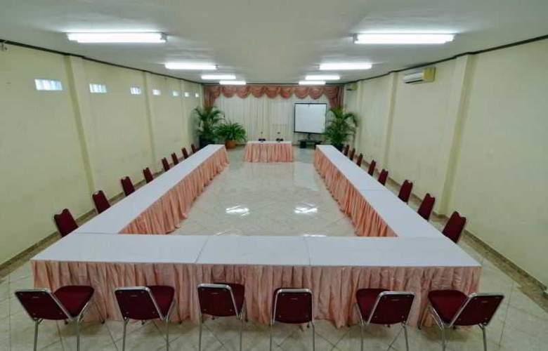 Rosani Legian - Conference - 4