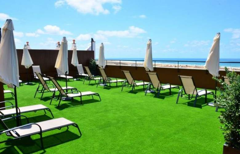 Conilsol Hotel y Aptos - Terrace - 14