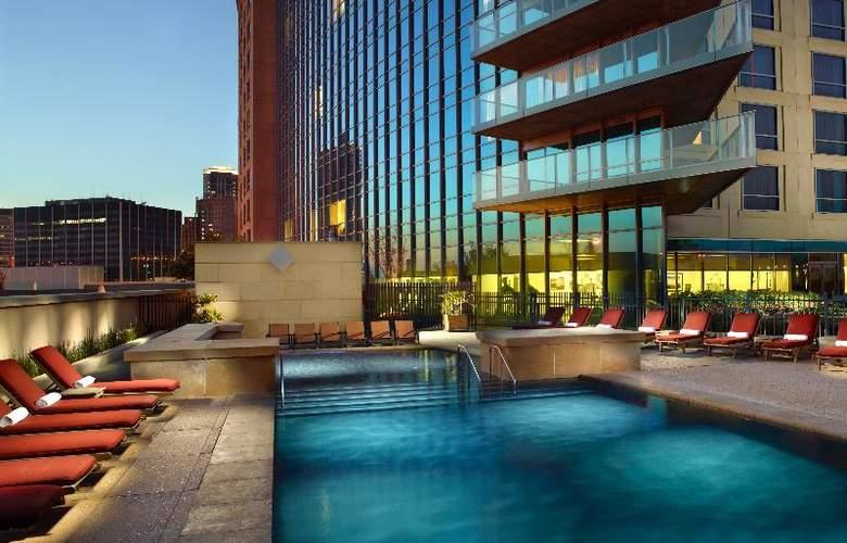 Omni Fort Worth Hotel - Pool - 16