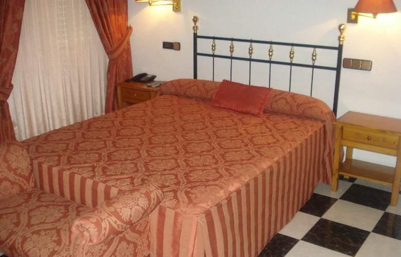 Sierra Oriente - Room - 4