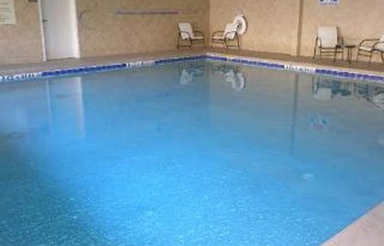 Comfort Suites Mcdonough - Pool - 5