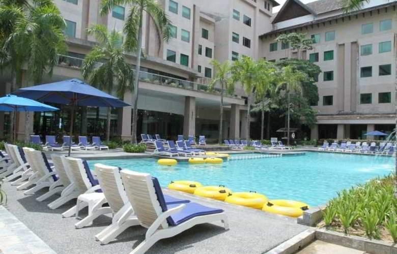 One Hotel Helang, Langkawi - Pool - 2