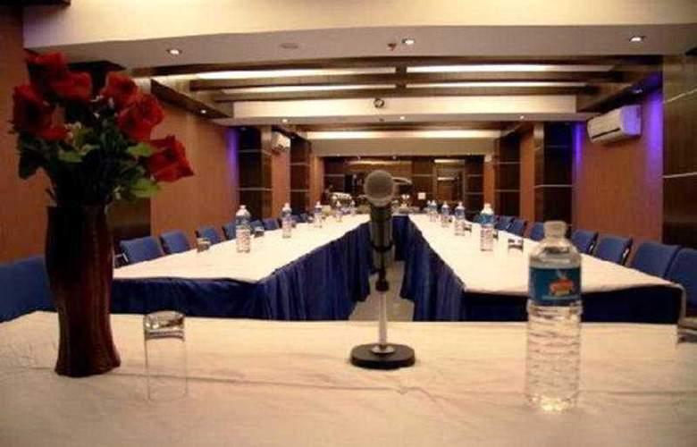 Le Seasons - Conference - 5