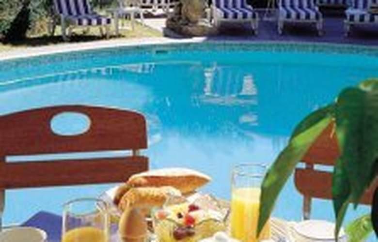 Kyriad Prestige Aix en Provence - Pool - 0
