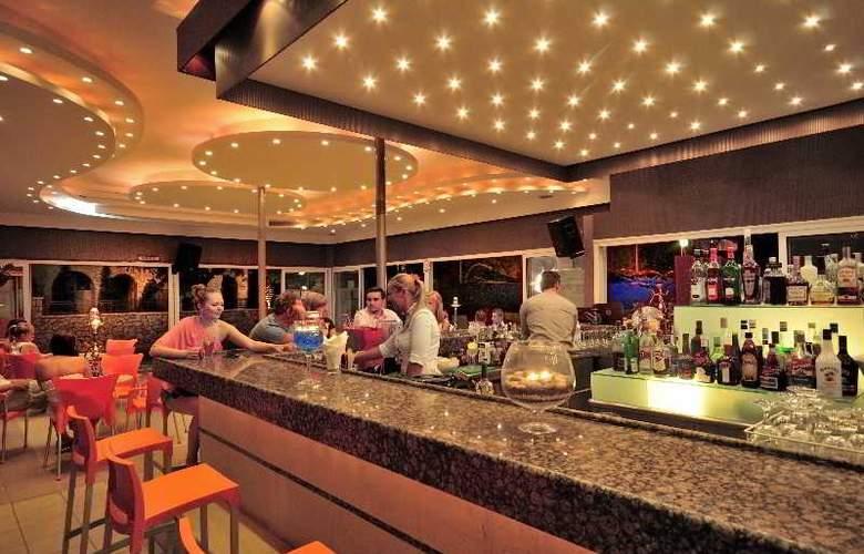 Kolymbia Bay Art - Bar - 12