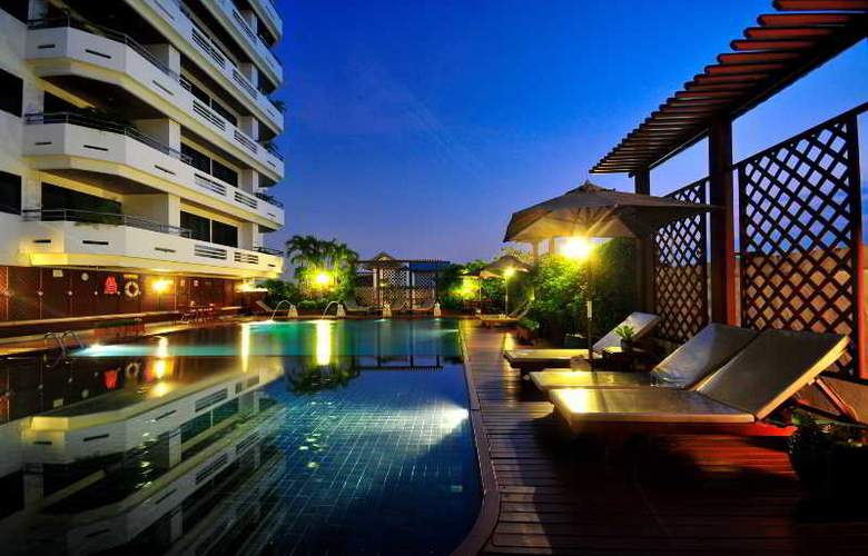 Centre Point Sukumvit Soi 10 - Pool - 25