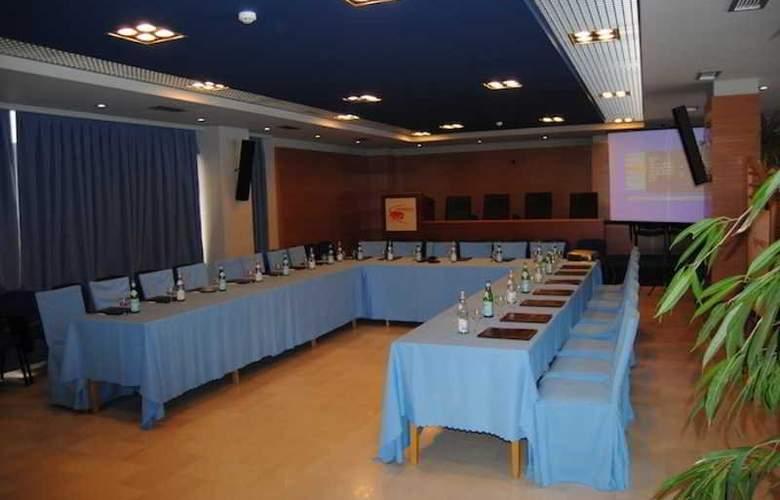 Aragosta - Conference - 12