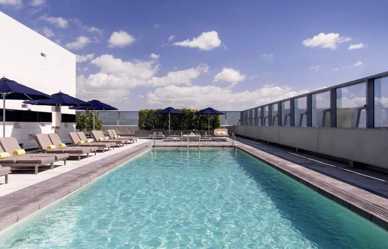 The Ritz-Carlton, Los Angeles - Pool - 2