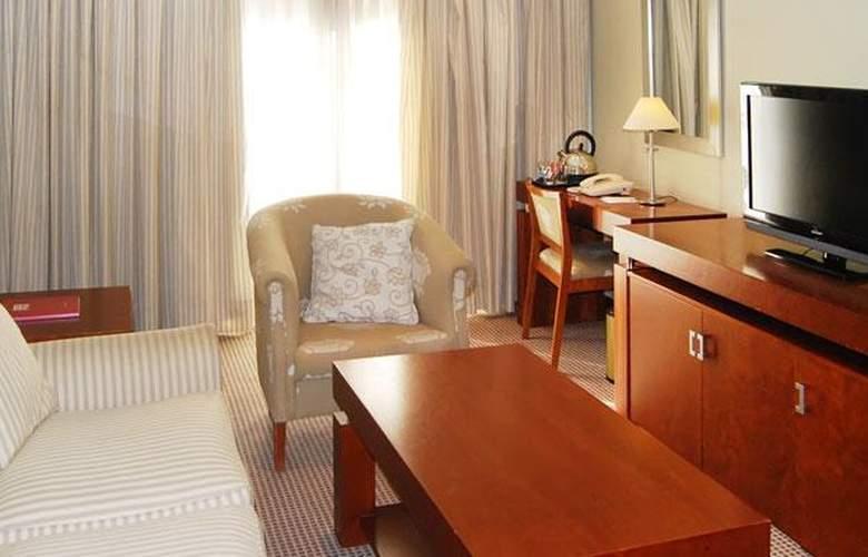 Tryp Madrid Alameda Aeropuerto - Room - 10