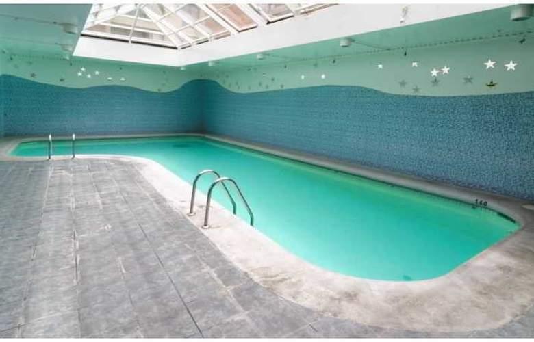 MR. Apart - Pool - 8