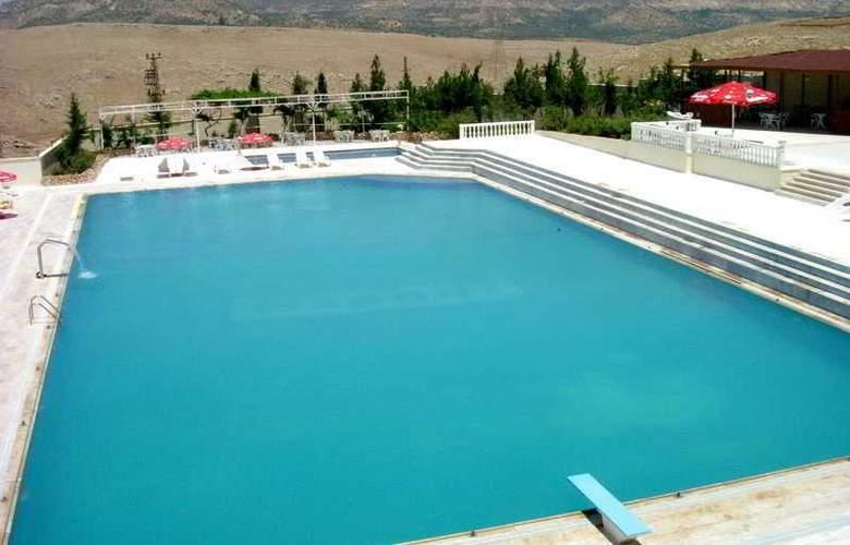Yay Grand Hotel - Pool - 6