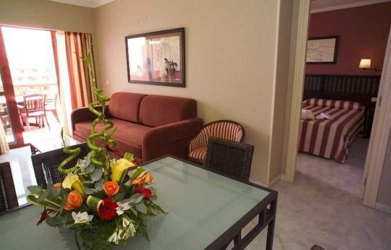 Holiday Palace - Room - 5