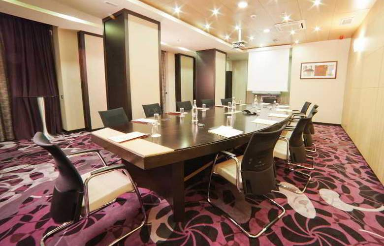 Doubletree by Hilton Hotel Bucharest - Unirii - Conference - 3