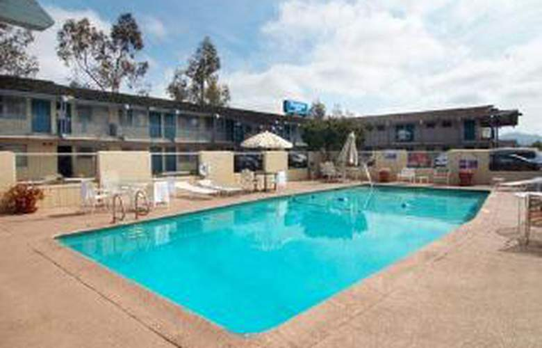 Rodeway Inn - San Diego North - Pool - 3