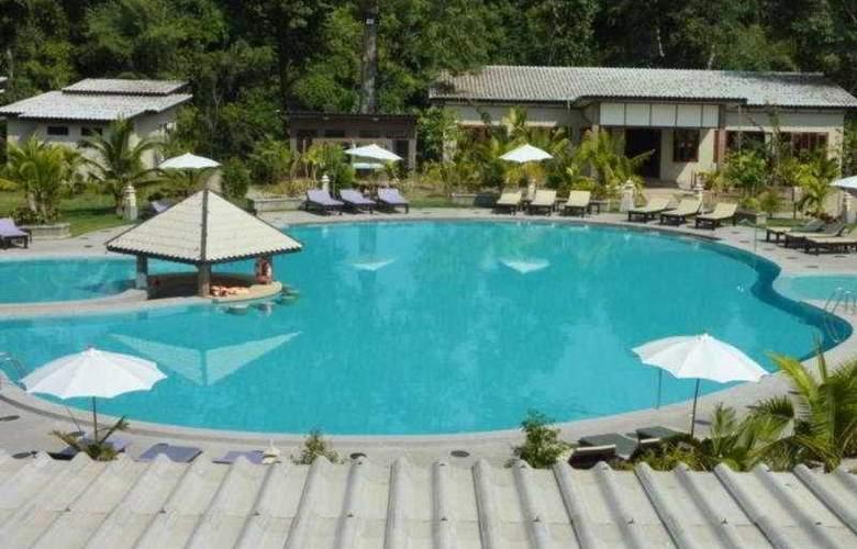 Nakakiri Resort & Spa Kanchanaburi - Pool - 9
