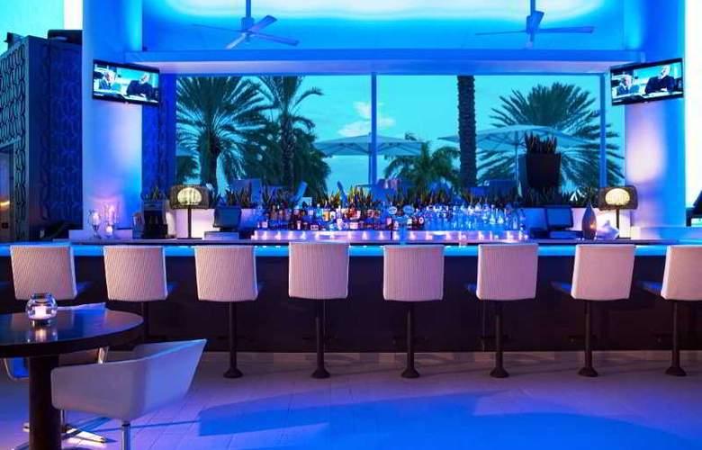 Renaissance Aruba Beach Resort & Casino - Bar - 6