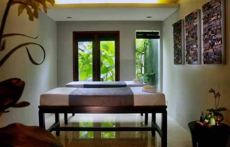 Royal Kamuela Villas Monkey Forest Ubud - Room - 11