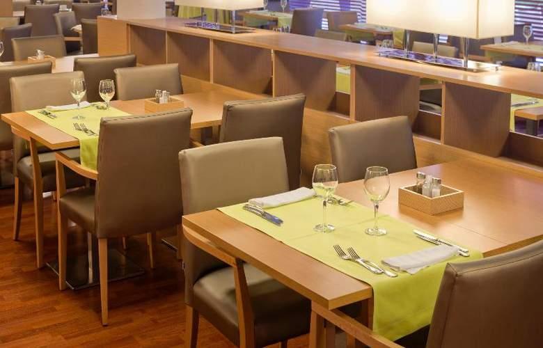Monica - Restaurant - 21