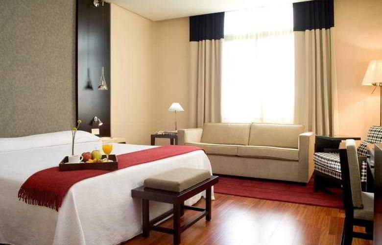 NH Avenida de Jerez - Room - 3