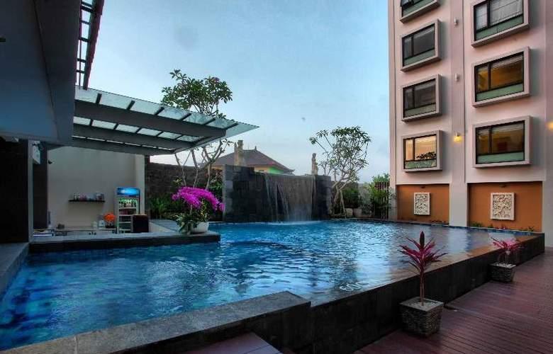 7 Days Premium Kuta - Hotel - 1