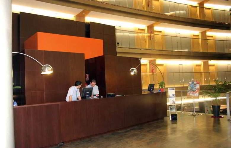 Eurohotel Barcelona Gran Via Fira - Hotel - 13