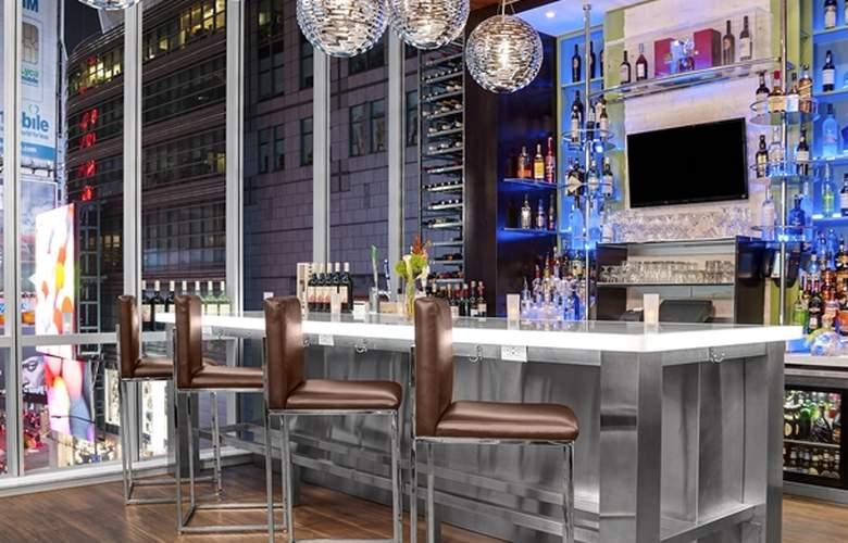 Hilton Garden Inn New York-Times Square Central - Bar - 3