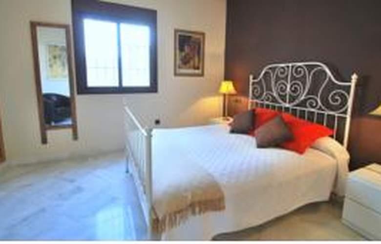 Living-Sevilla Apartments Lumbreras - Room - 8