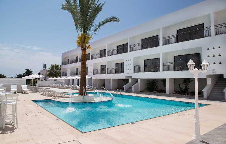 Vias Apartments - Pool - 4