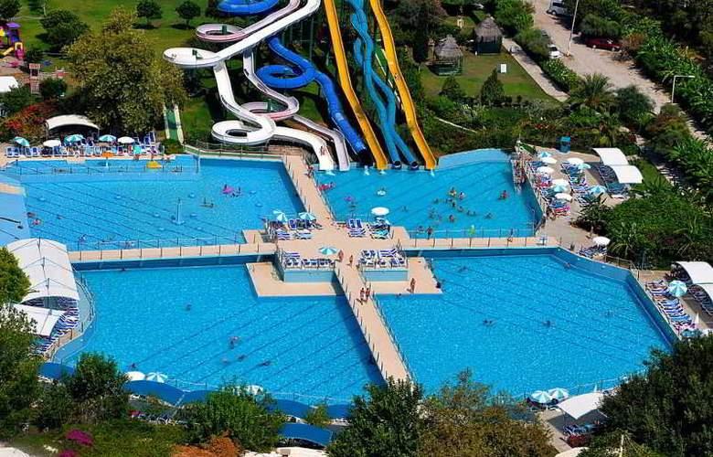 Daima Biz Hotel - Pool - 18