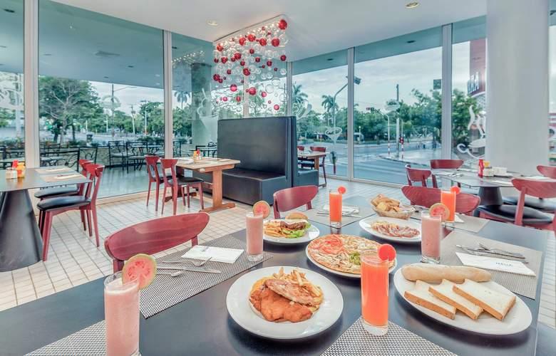 Tryp Habana Libre - Restaurant - 32
