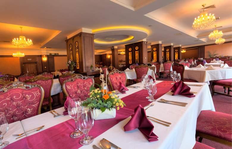 Park Hotel Imperial - Restaurant - 12