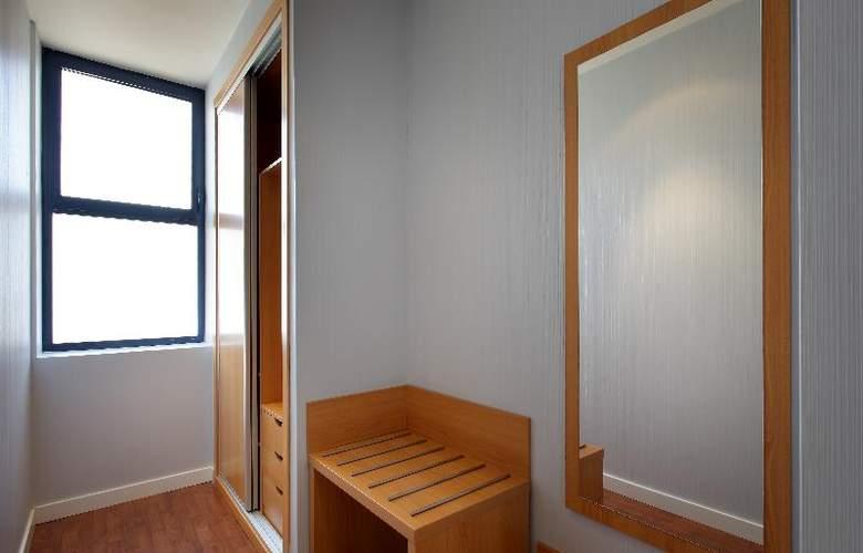Exe Sevilla Palmera - Room - 14