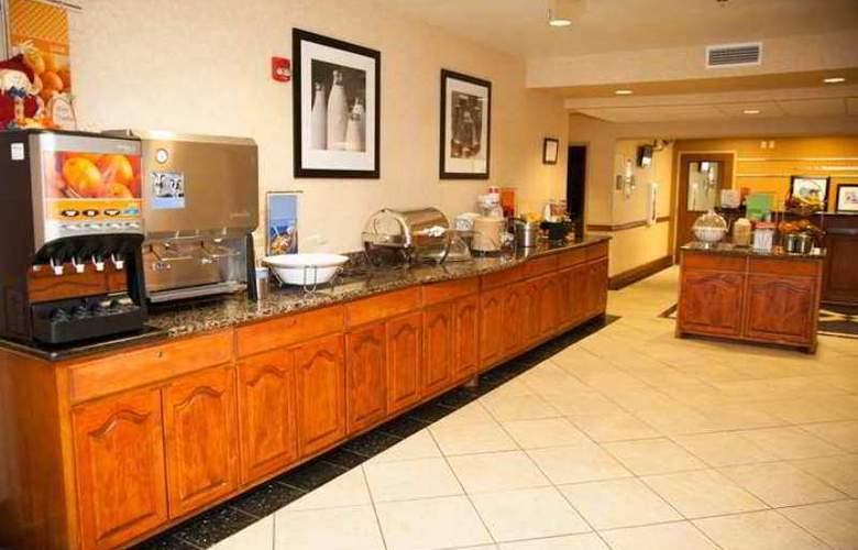 Hampton Inn Brownwood - Hotel - 6