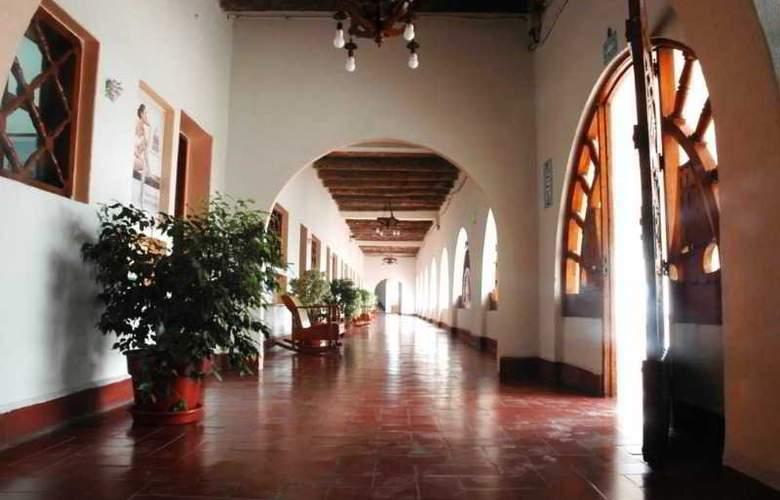 Mocambo - Hotel - 3