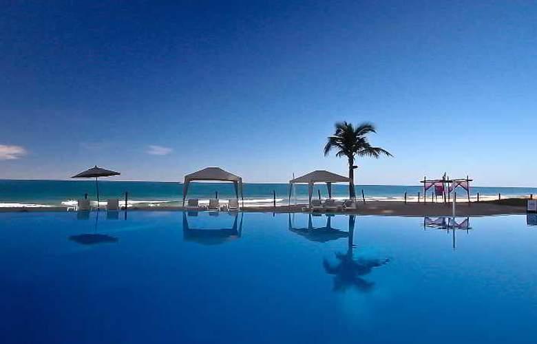 Crowne Plaza Resort Mazatlan - Pool - 35