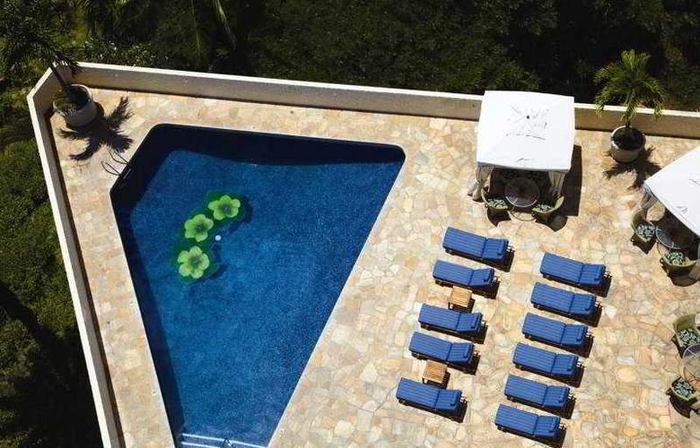 Outrigger Luana Waikiki - Pool - 4